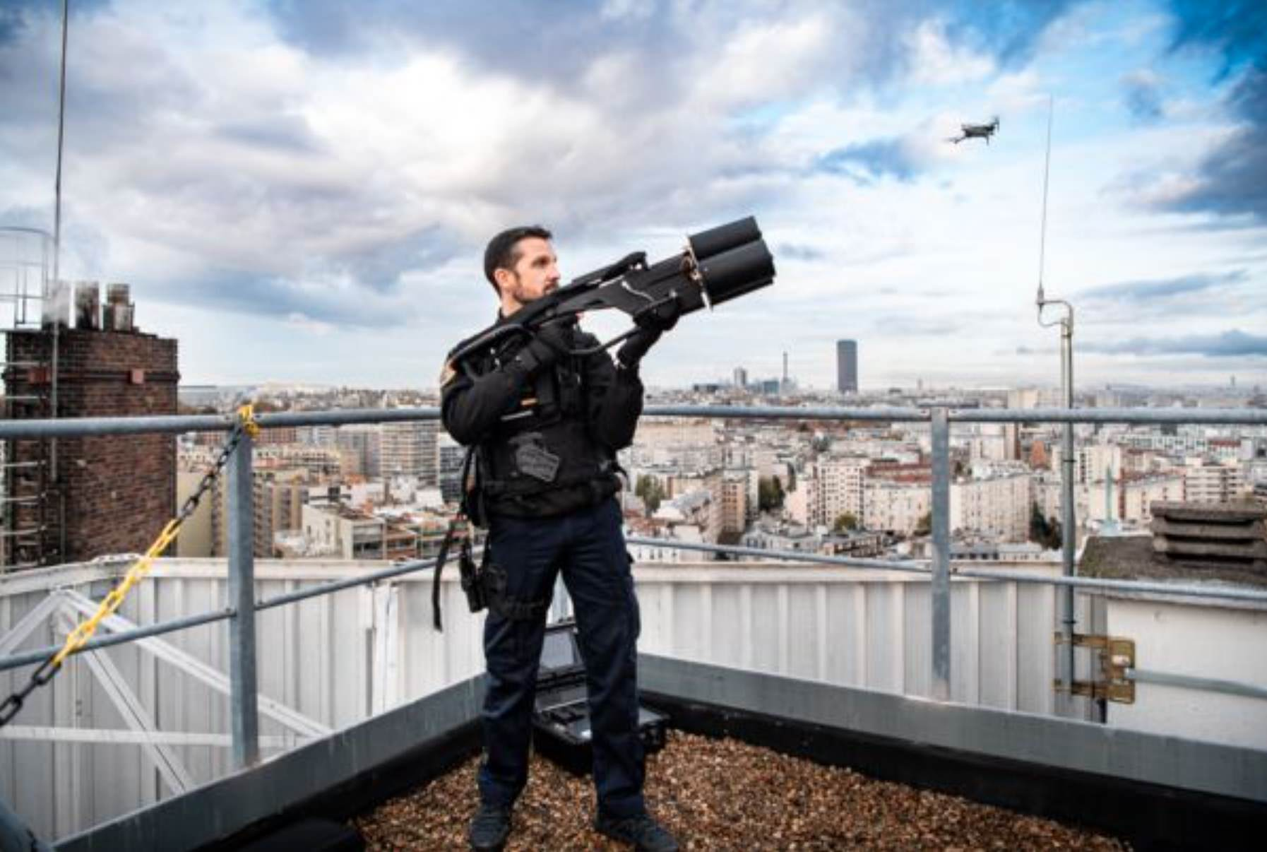 Meet the anti-drone team of the French Garde Republicaine