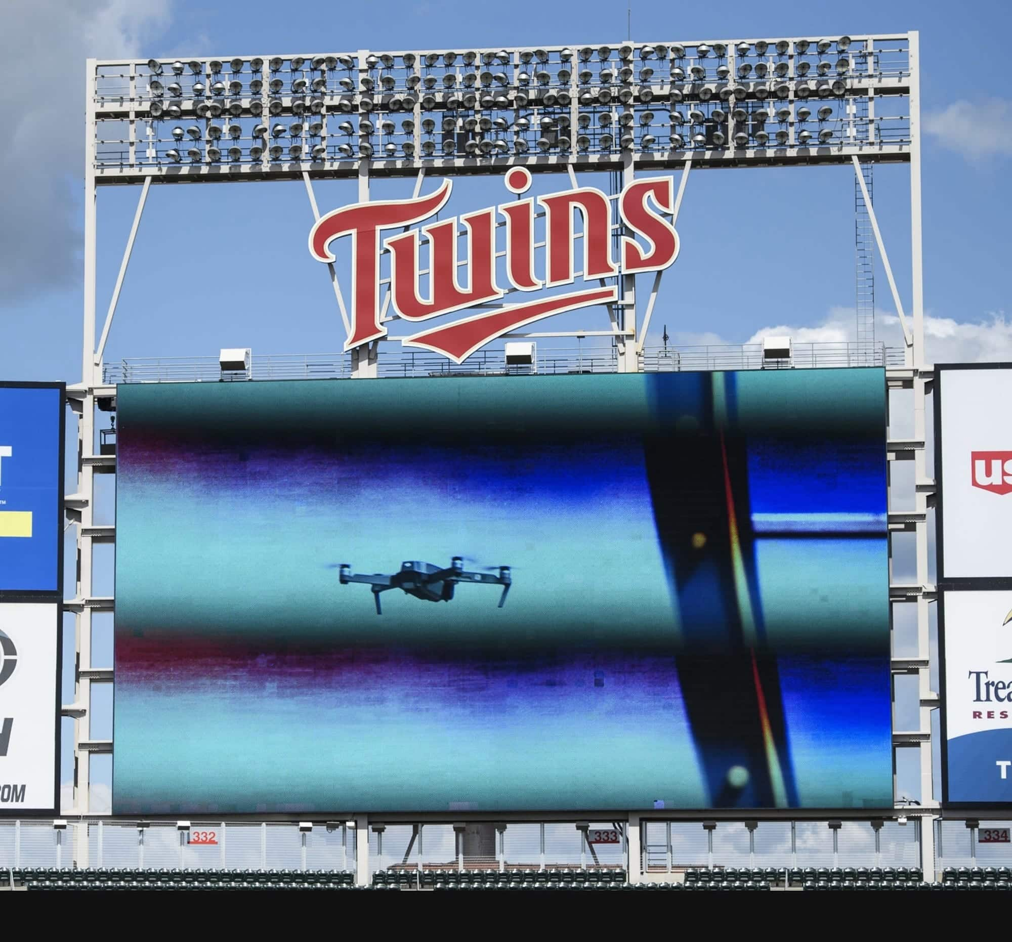 MLB game delayed because DJI Mavic Pro hovered over the field