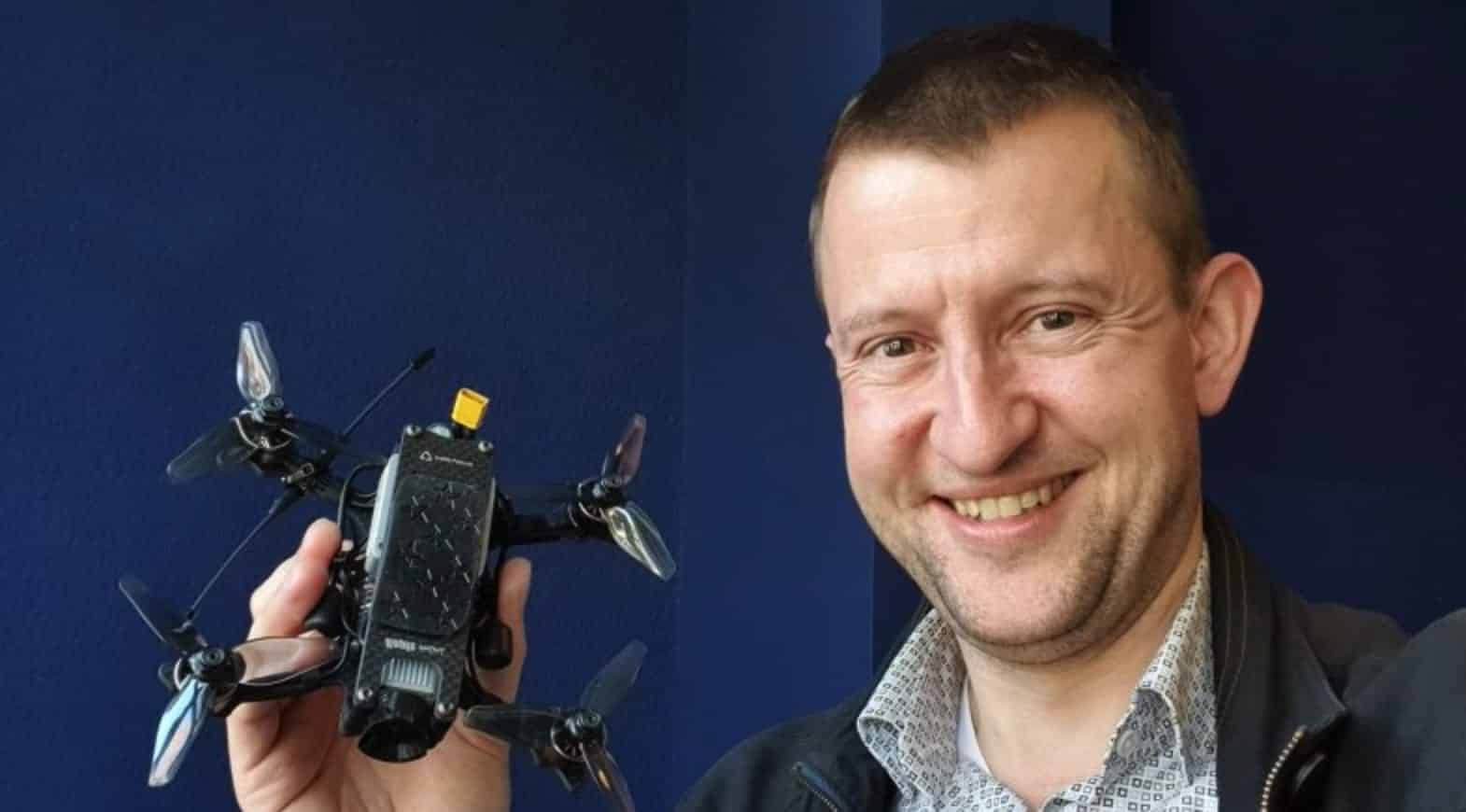 """Dutch researcher wants to give drones """"physical self-awareness"""""""
