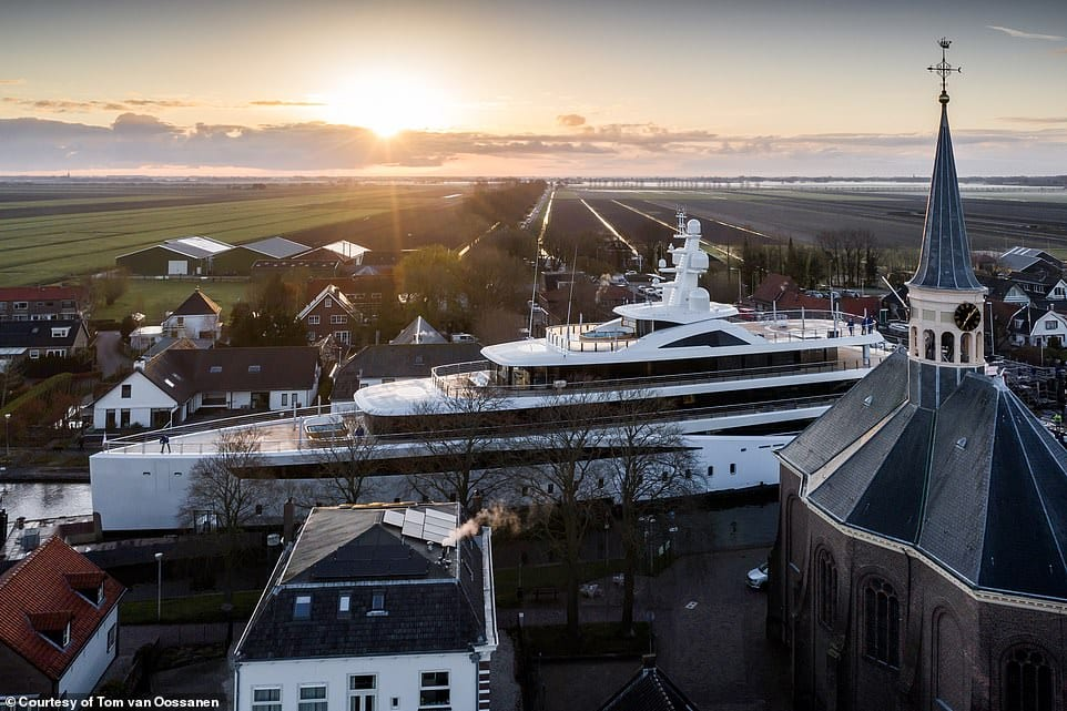 Drone shows superyacht Viva passing through narrow canals in Holland