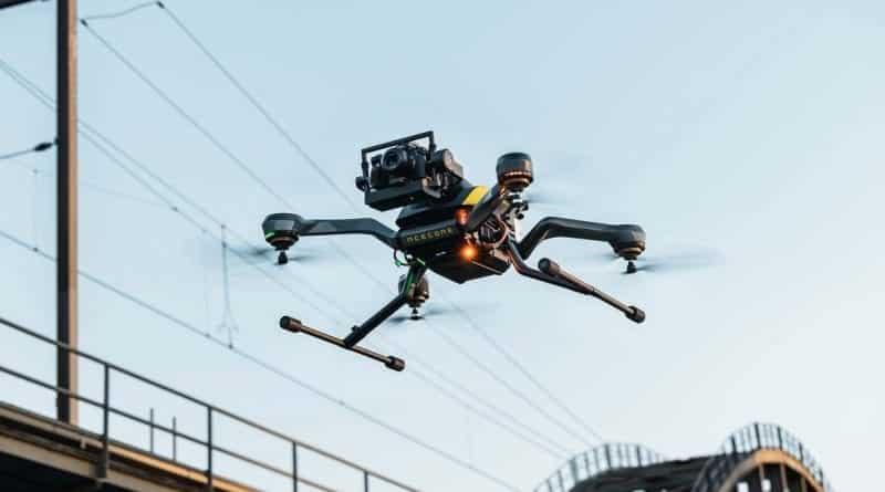 Acecore Technologies' new Zoe Zetona has front-facing camera
